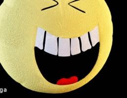 کوسن به شکل ایموجی خنده