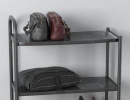 ویترین کیف و کفش