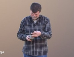 کاراکتر پیرمرد در حال استفاده از موبایل