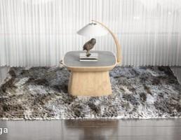 قالیچه خزدار + میز آباژور