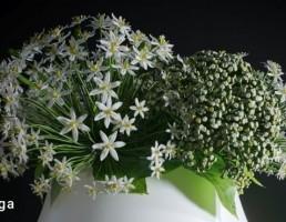 گلدان + دسته گل نرگس