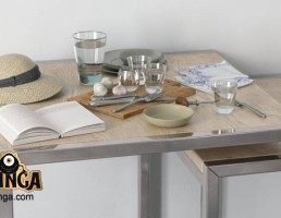 کتاب + کلاه + میز