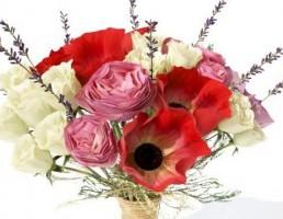 گلدان + گل رز + گل شقایق