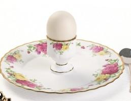 بشقاب + تخم مرغ + قاشق + جاتخمه مرغی