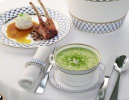 میز نهار + ظروف چینی