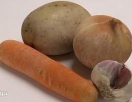 سیب زمینی + سیر + پیاز + هویج