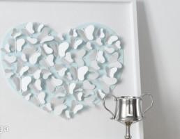 تابلویی با شکل قلب + جام نقره