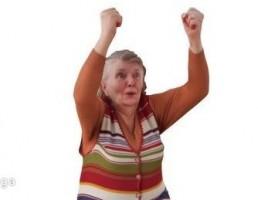 کاراکتر زن در حال خوشحالی کردن