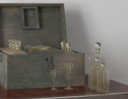 صندوق + بطری مشروب