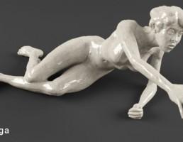 مجسمه زن تشنه